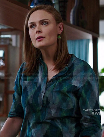 Brennan's green and blue printed shirt on Bones