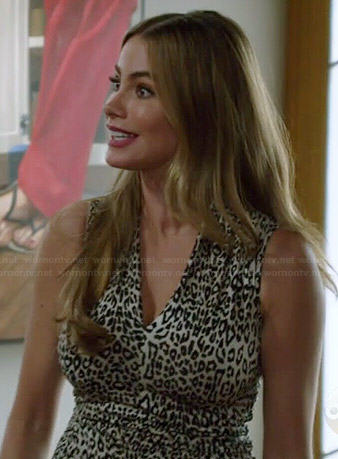 Gloria's leopard print v-neck top on Modern Family
