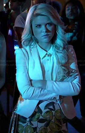 Lauren's white blazer and lemon print skort on Faking It