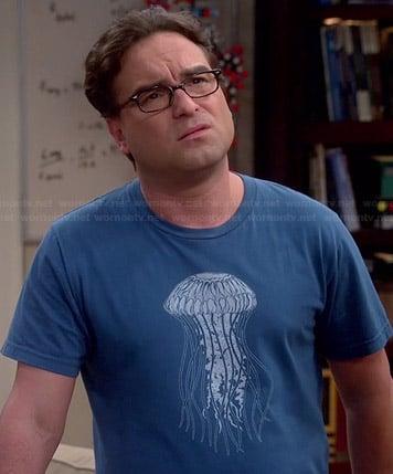 Leonard's blue jellyfish tee on The Big Bang Theory