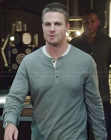 Oliver's grey henley tee on Arrow