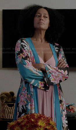 Rainbow's pink night gown and blue floral robe on Black-ish
