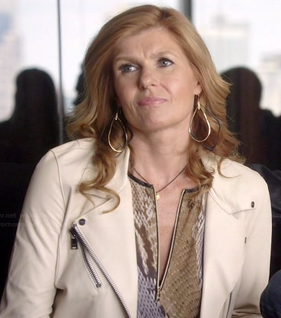 Rayna's snake print zip-front top and white leather jacket on Nashville