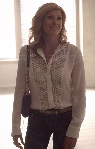 Rayna's white lace front blouse and blue purse on Nashville