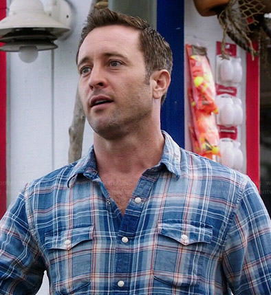 Steve's blue plaid shirt on Hawaii Five-O