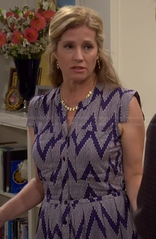 Vanessa's blue zig zag shirtdress on Last Man Standing