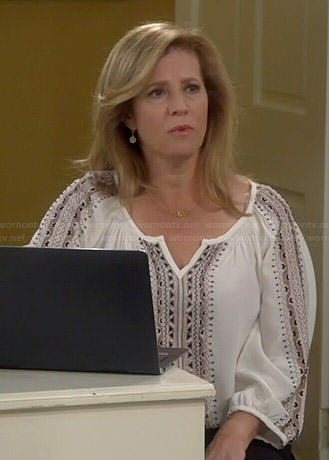 Vanessa's white embroidered blouse on Last Man Standing