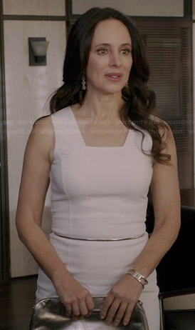 Victoria's white square neck dress on Revenge