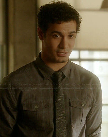 Walter's grey plaid shirt on Scorpion