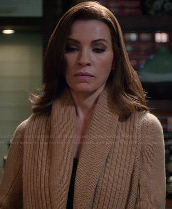 Alicia's beige ribbed shawl collar cardigan on The Good Wife