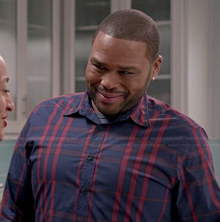 Andre's navy and red plaid shirt on Black-ish