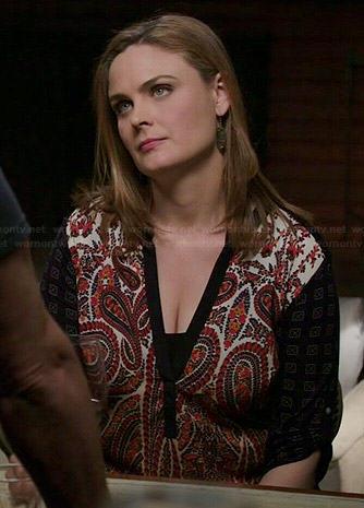 Brennan's paisley printed top with black sleeves on Bones