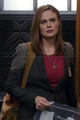 Brennan's printed blazer on Bones