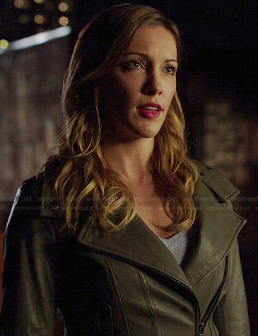 Laurel's khaki green leather jacket on Arrow