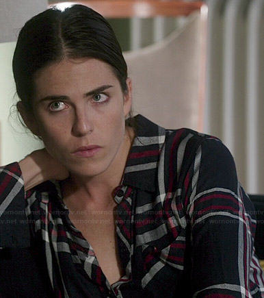 Laurel's navy and pink plaid flannel shirt on How to Get Away with Murder