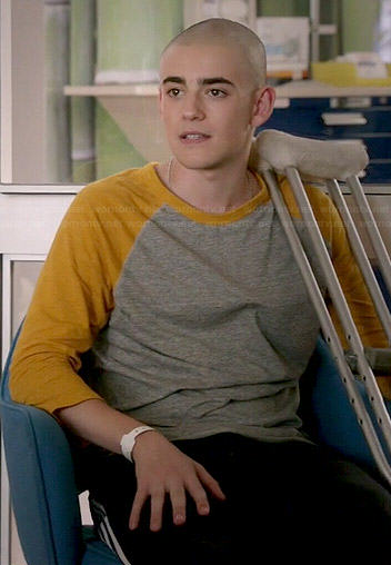 Leo's grey and yellow baseball tee on Red Band Society