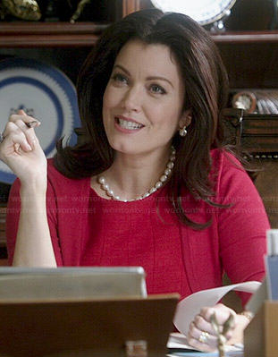 Mellie's red dress and shrug on Scandal