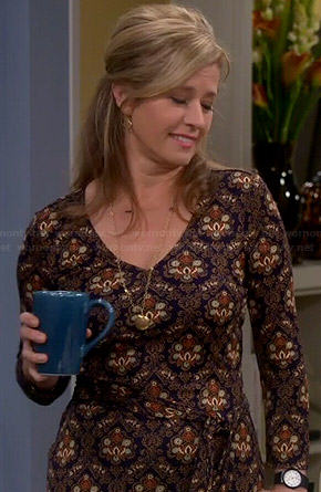 Vanessa's navy and gold printed long sleeve dress on Last Man Standing