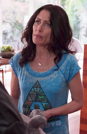 Abby's blue Pink Floyd triangle graphic tee on Girlfriends Guide to Divorce
