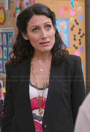 Abby's lips graphic tee and black blazer on Girlfriends Guide to Divorce
