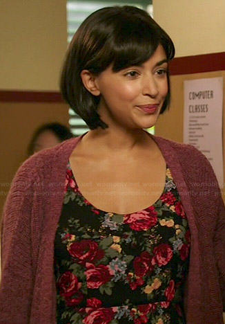 Young Cece's rose print dress and pink cardigan on New Girl