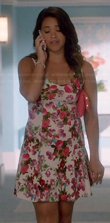 Jane's white floral scoop neck dress on Jane the Virgin
