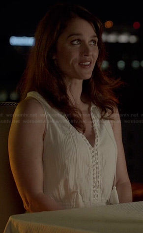 Lisbon's white maxi dress on The Mentalist