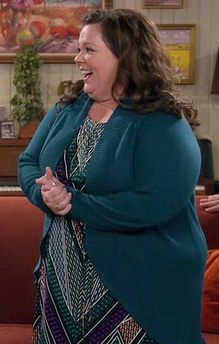 Molly's zig zag printed maxi dress on Mike and Molly