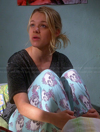Wornontv Violet S Blue Floral Skull Pajama Pants On Mom