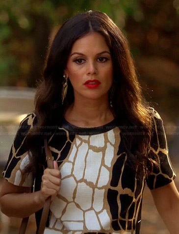 Zoe's black and white giraffe print dress on Hart of Dixie