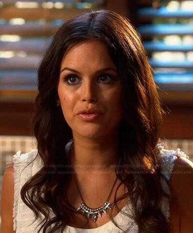 Zoe's white frayed texture dress and spiked necklace on Hart of Dixie