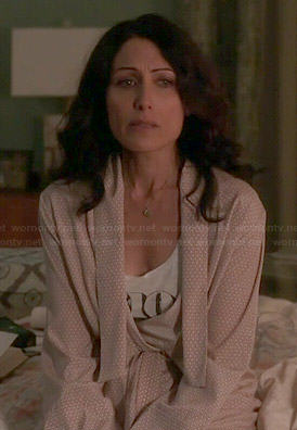 Abby's beige printed robe on Girlfriends Guide to Divorce