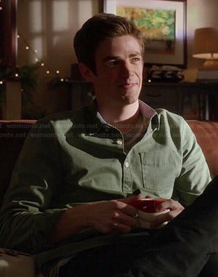 Barry's green dotted shirt on The Flash