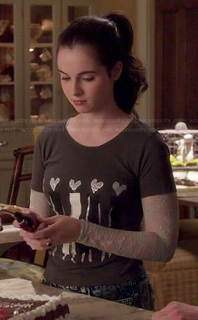 Bay's heart head graphic tee on Switched at Birth