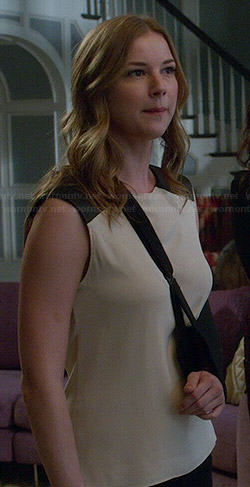 Emily's cream sleeveless top with leather shoulders on Revenge