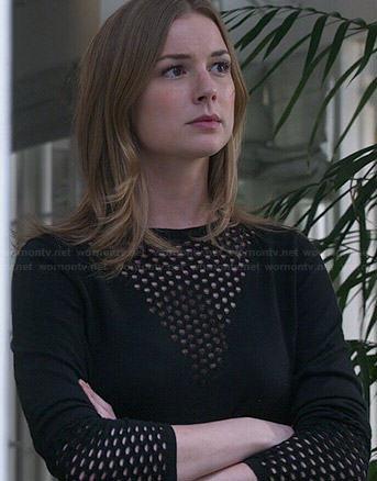 Emily's black mesh triangle sweater on Revenge