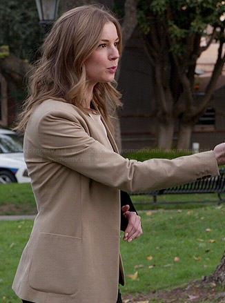 Emily's camel blazer on Revenge