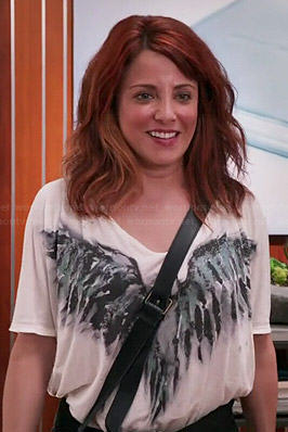 Jo's bird wings graphic tee on Girlfriends Guide to Divorce