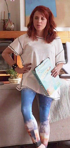 Jo's white tee and rocket ship print leggings on Girlfriends Guide to Divorce