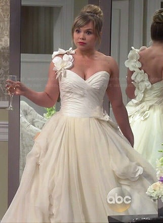 Kristin's wedding dress on Last Man Standing