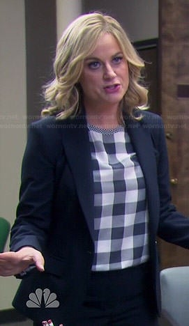 Leslie's black and white checked top on Parks and Recreation