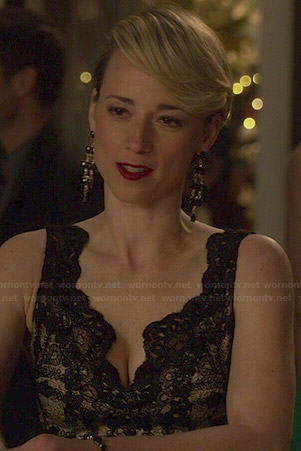 Margaux's black lace v-neck dress on Revenge