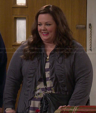 Molly's striped and floral top on Mike and Molly