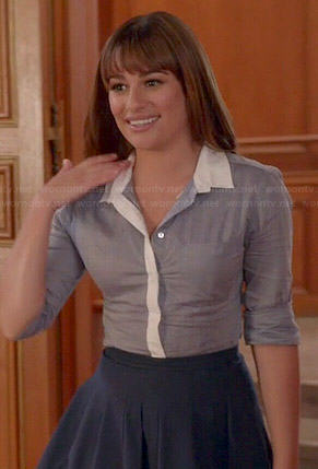 Rachel's blue button down shirt with white collar and navy pleated skirt on Glee