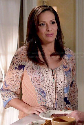 Regina's peach paisley and crochet top on Switched at Birth
