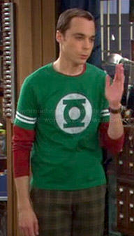 Sheldon's Green Lantern shirt with stripes on The Big Bang Theory