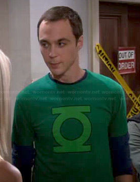 Sheldon's Green Lantern logo shirt on The Big Bang Theory