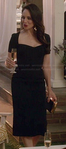 Victoria's black sweetheart neck dress on Revenge
