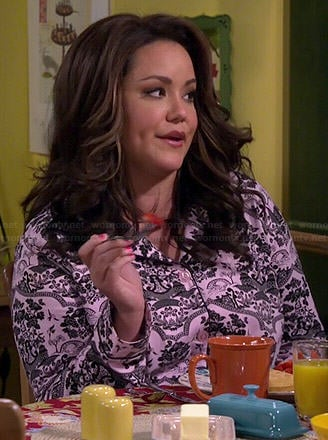 Victoria's pink and black printed PJs on Mike and Molly