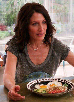 Abby's grateful graphic tee on Girlfriends Guide to Divorce